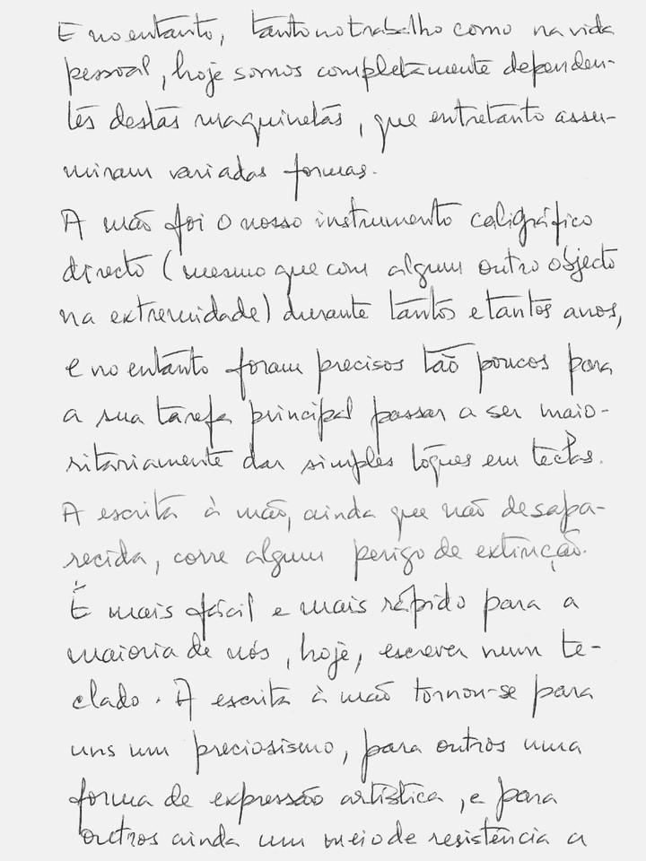 Escrever à mão 2 pb.jpg