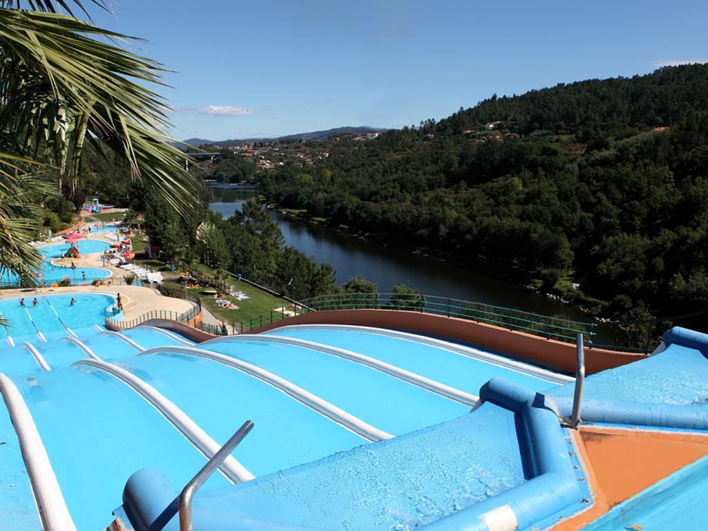 ParqueAquaticoAmarante_PistasRapidas.jpg