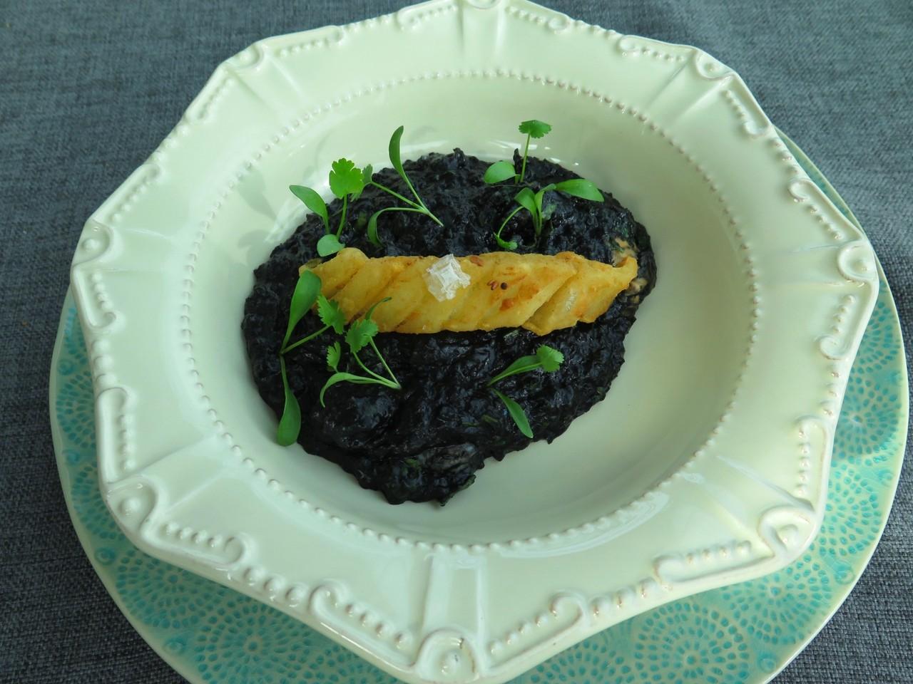 Açorda Negra de Marisco