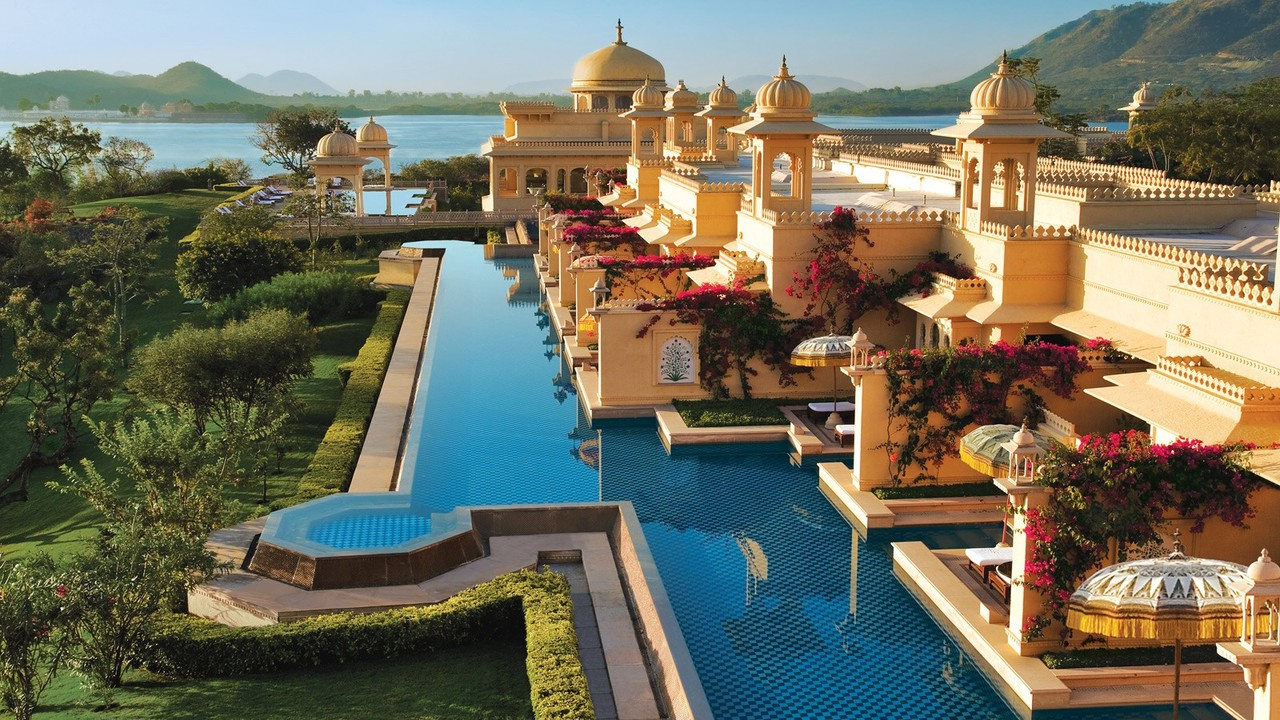 The_Oberoi_Udaivilas_-_Semi_private_pools.jpg