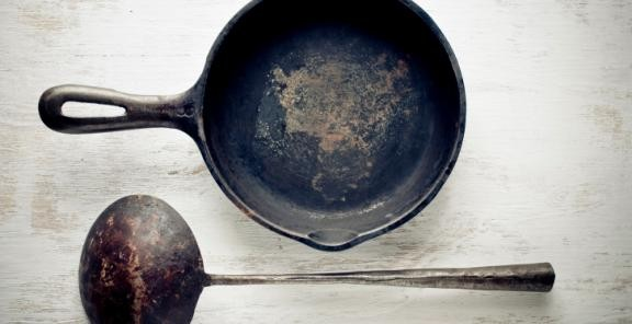rust-cast-iron-skillet.jpg