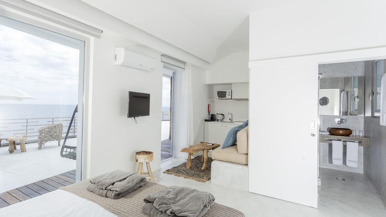 white-exclusives-suites-amp-villas-galleryjunior-s