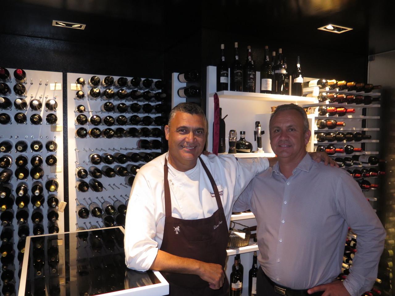 Os dois investidores do SÃO GABRIEL: o chefe de cozinha Leonel Pereira e o chefe de sala Delfim João