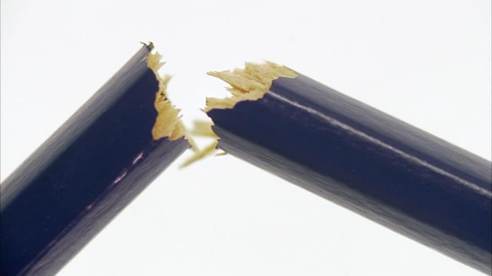 209690955-pencil-broken-divided-bad-condition.jpg