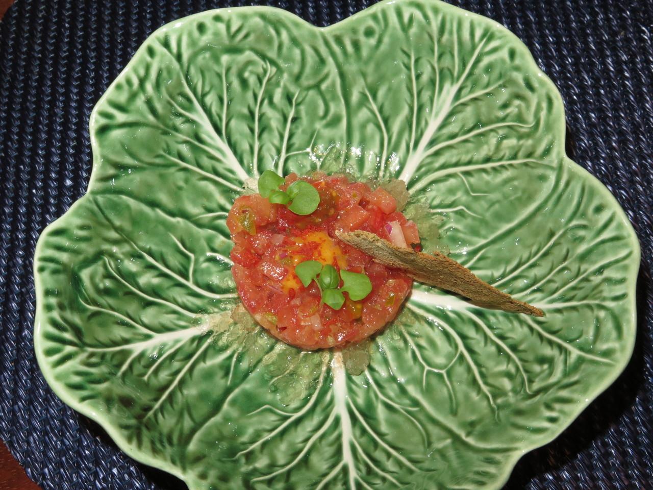 Tártaro de tomate e orégãos