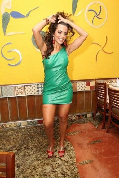 Carla Prata (modelo, assistente de palco & dançar