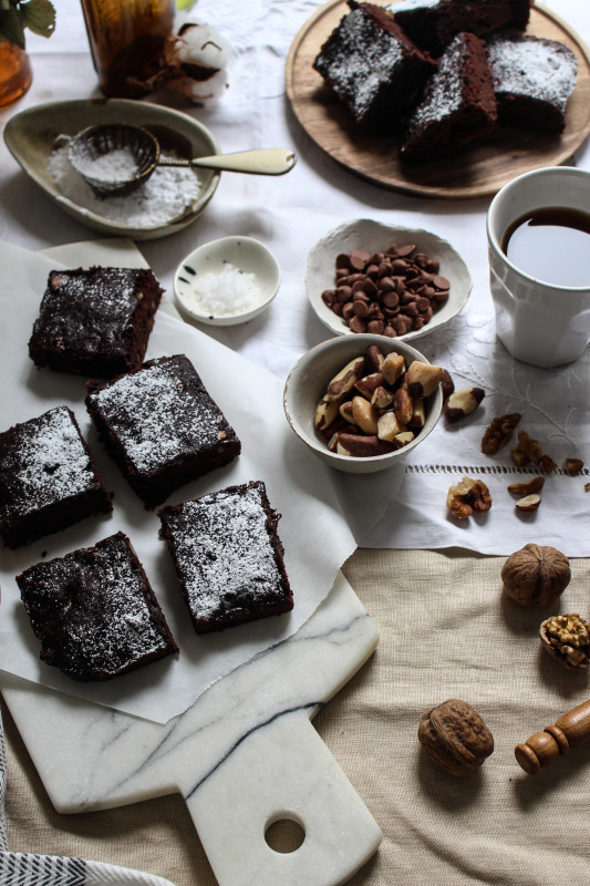 buckwheat-brown-butter-banana-brownies-1-3-533x800