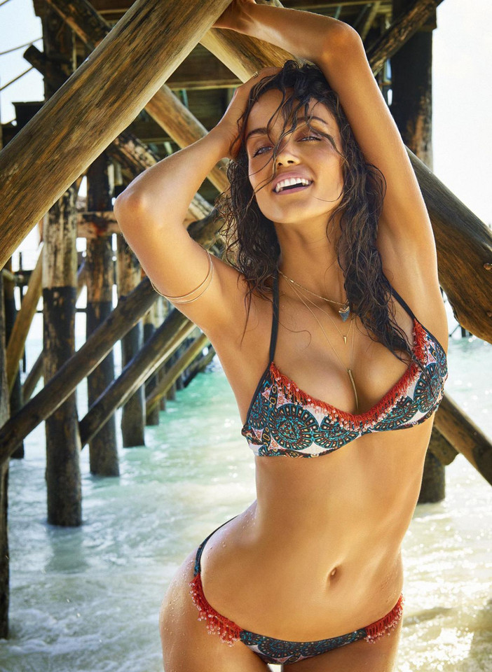 sofia-resing-in-sports-illustrated-swimsuit-issue-