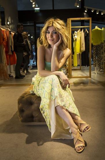 Raquel Strada (atriz & apresentadora).jpg
