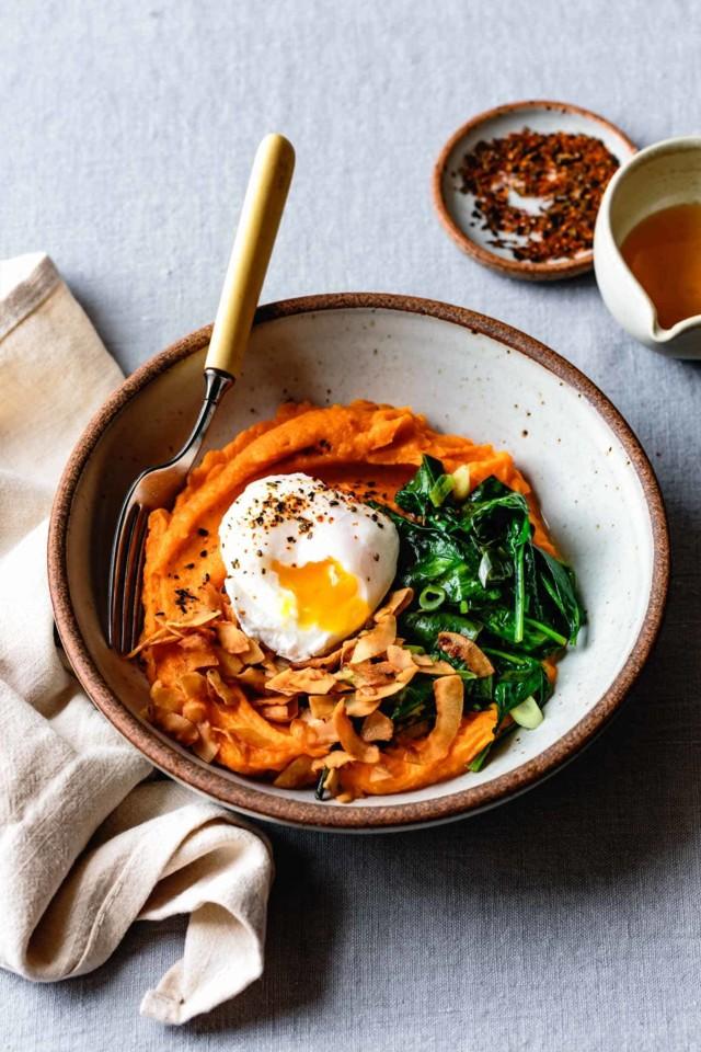 Sweet-Potato-Breakfast-Bowls-with-Eggs-7.jpg