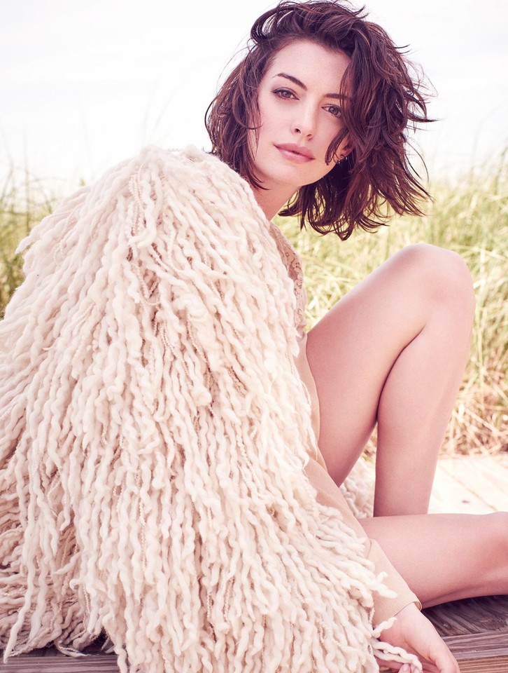 anne-hathaway-glamour-magazine-uk-october-2015-cov