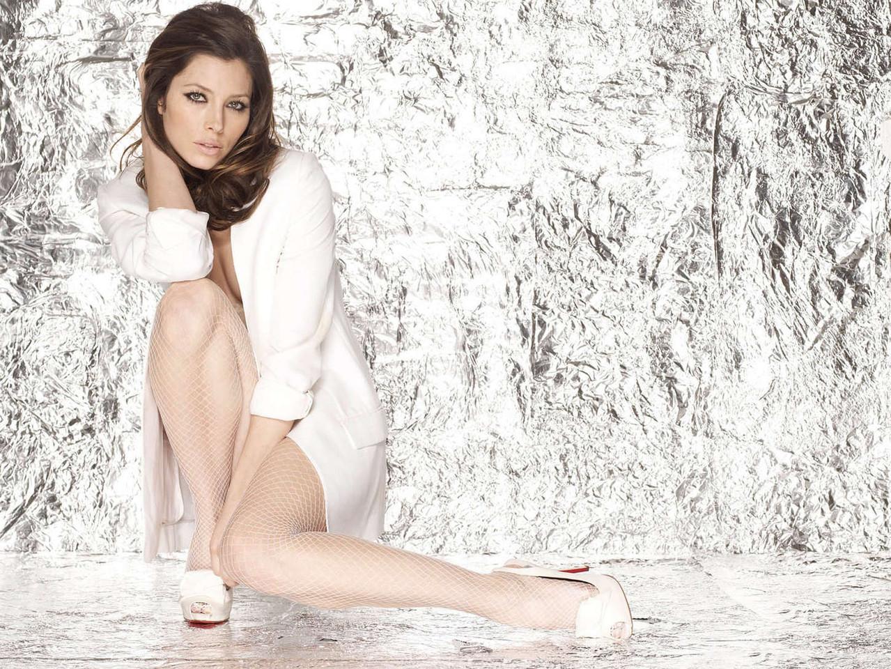 Jessica-Biel--Matthias-Vriens-McGrath-Photoshoot--