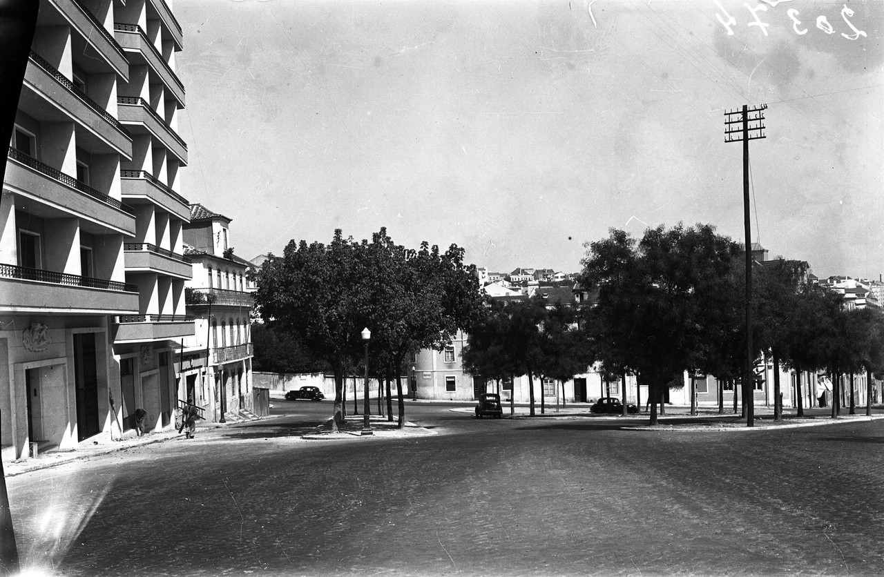 Largo do Leão, Lisboa (E. Portugal, 1953)