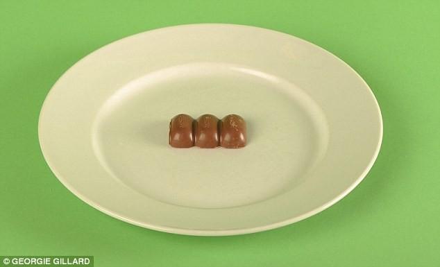 27EA32E400000578-3059330-Could_you_eat_just_half_a