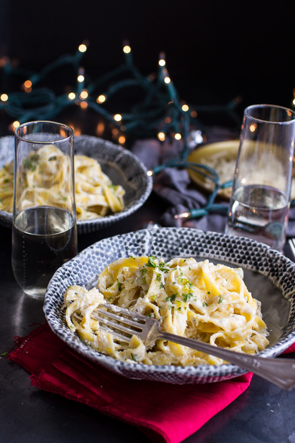 One-Pan-Baked-Champagne-Cream-Sauce-Fettuccine-wit