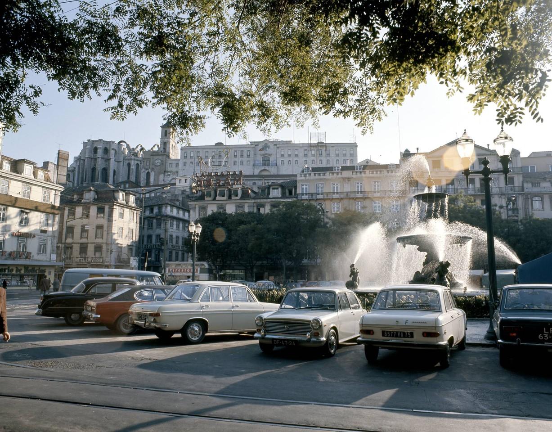 Entardecer de Verão, Rossio (A. Ferrari, c. 1970)