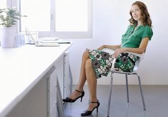 nao-se-deve-sentar-com-pernas-cruzadas-332x231.jpg
