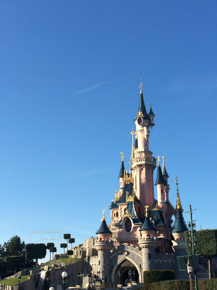 sleeping beauty castle disneyland paris.png