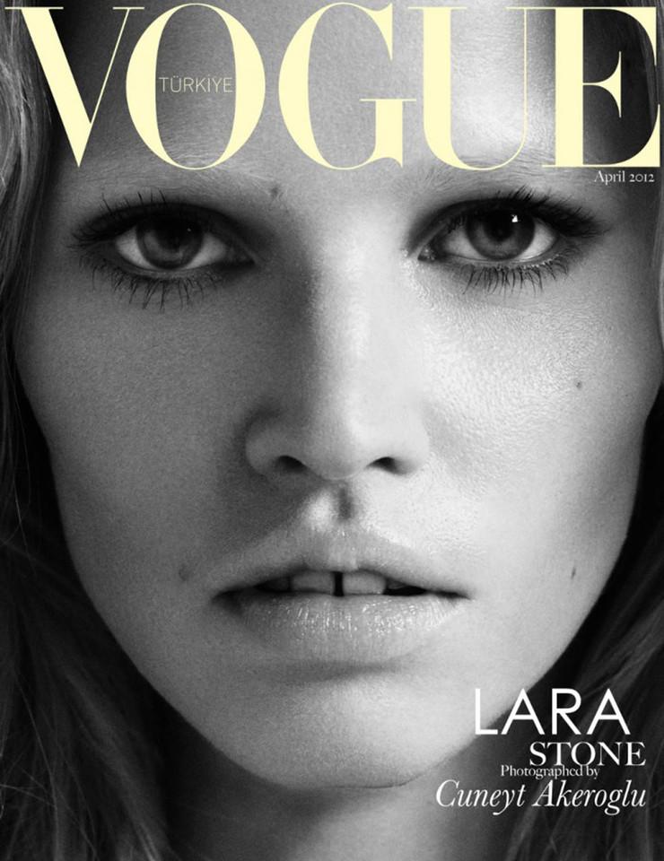 Lara-Stone-Vogue-Turkey-April-2012-01.jpg