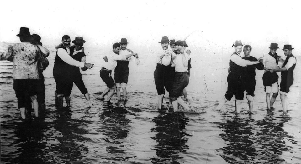 Buenos Aires - Tango na Praia 1904.jpg