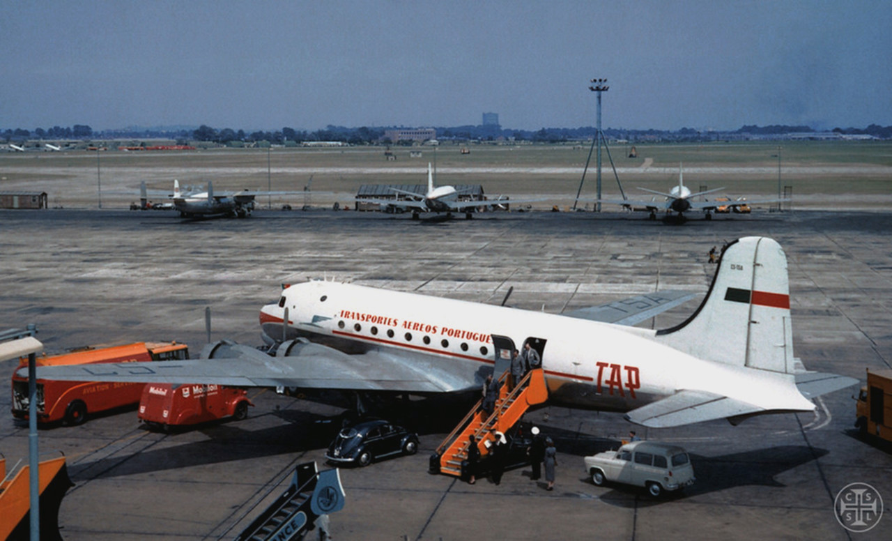 Douglas DC-4 Skymaster, Heathrow [?], post 1953