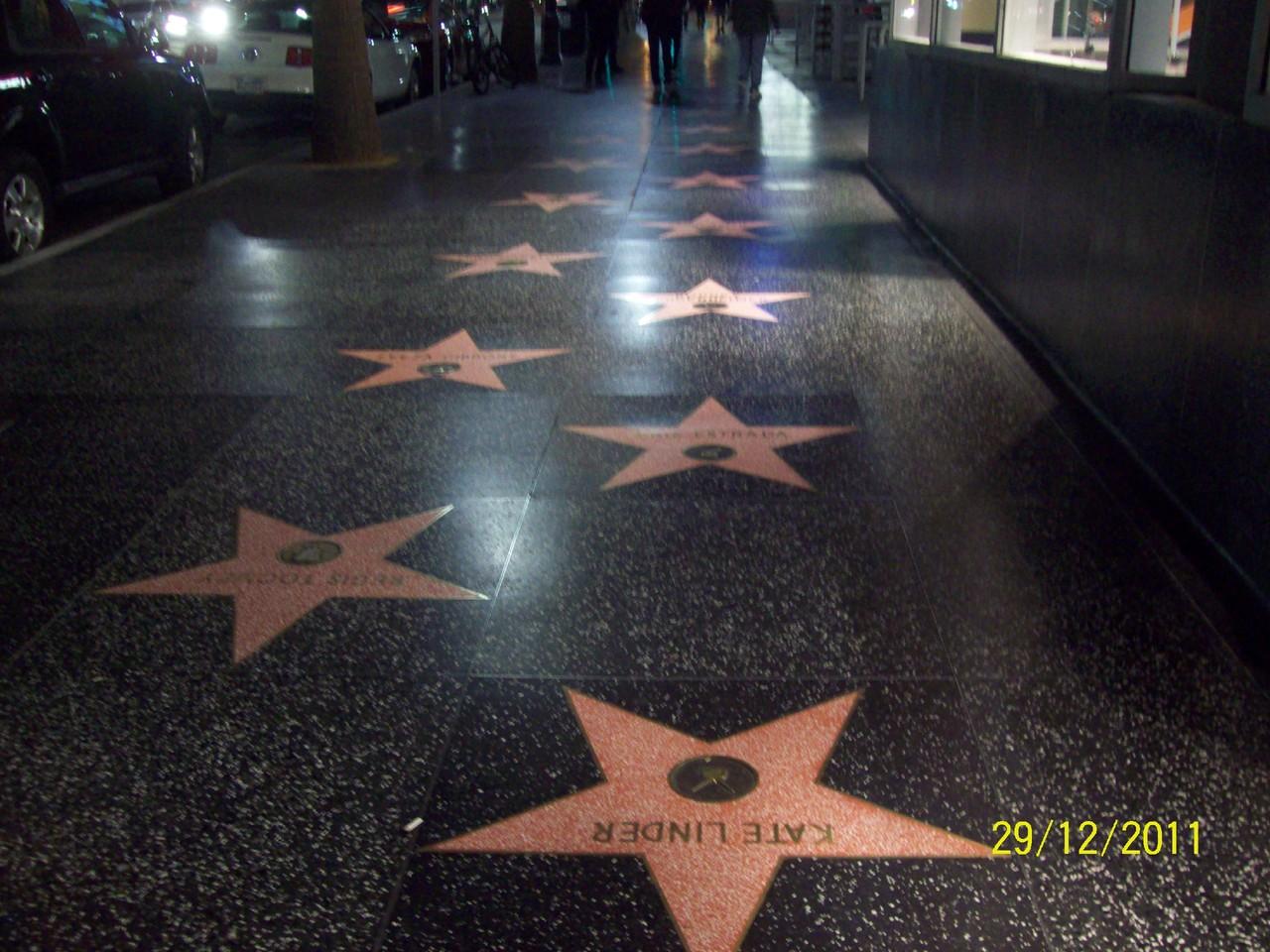 Paseo_de_la_Fama_de_Hollywood_de_Noche.JPG