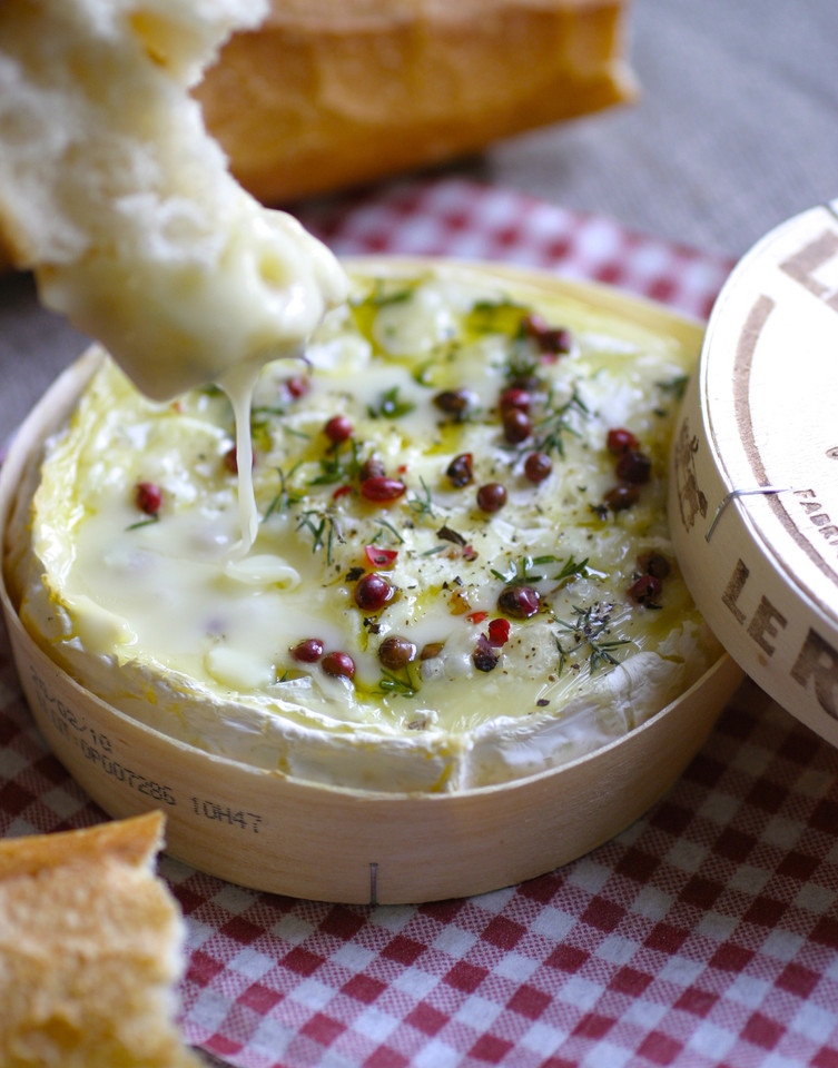 gooey-camembert.jpg