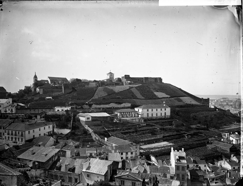 Panorâmica da Graça sobre o Castello, Lisboa (A.P.C.M.L., s.d.)