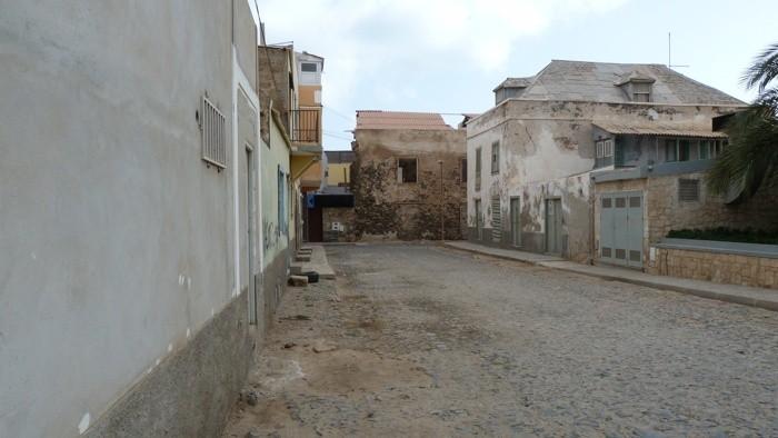 aspecto de uma rua de sal rei.jpg