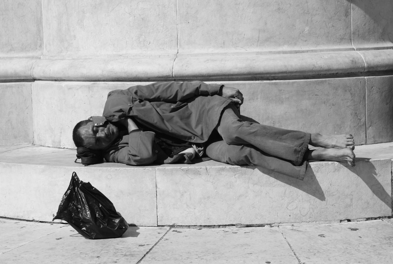 Pobreza é ficar indiferente # 44.jpg