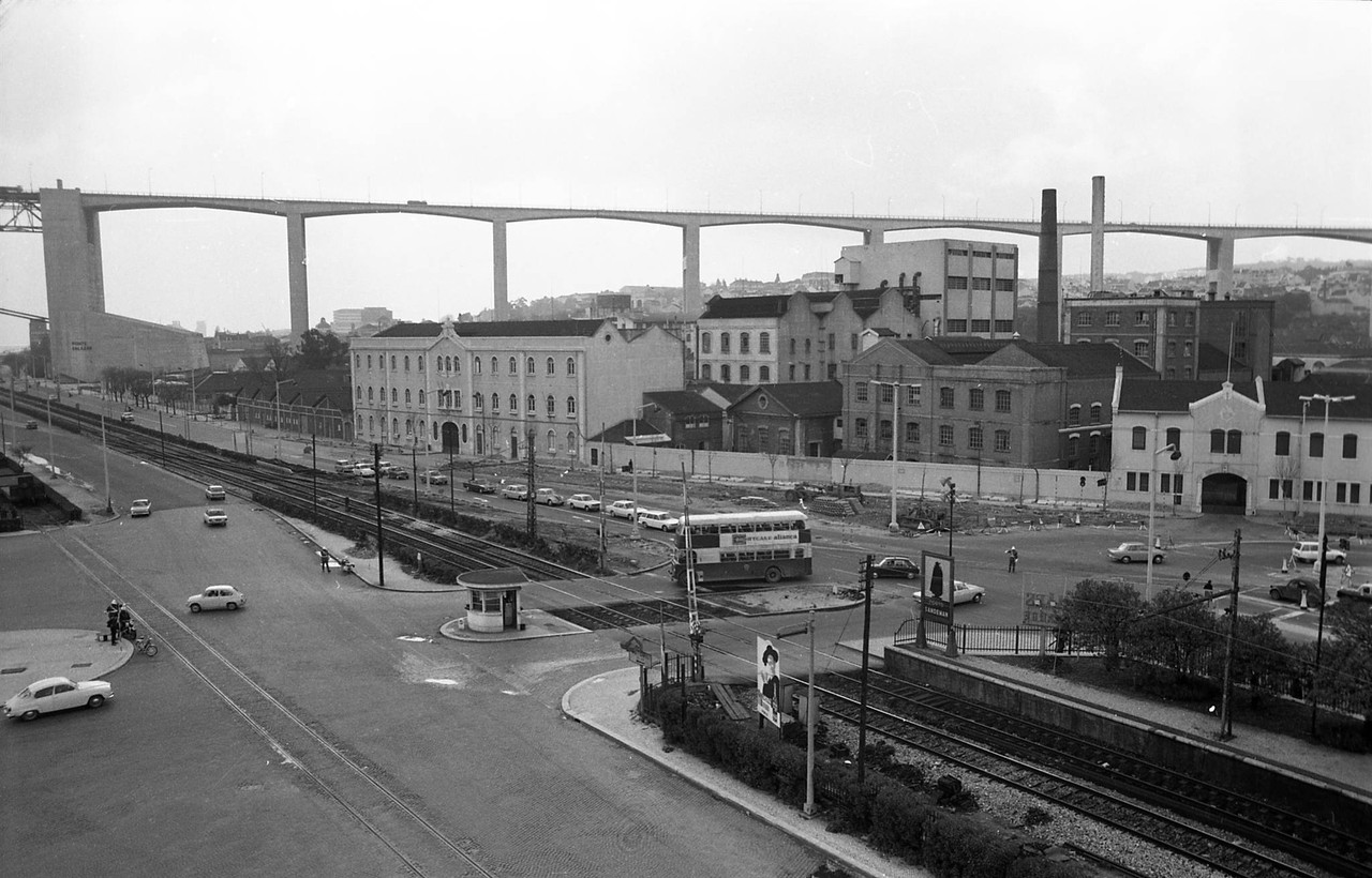 Viaduto de Alcântara-Mar, Lisboa (Anón., 1970)