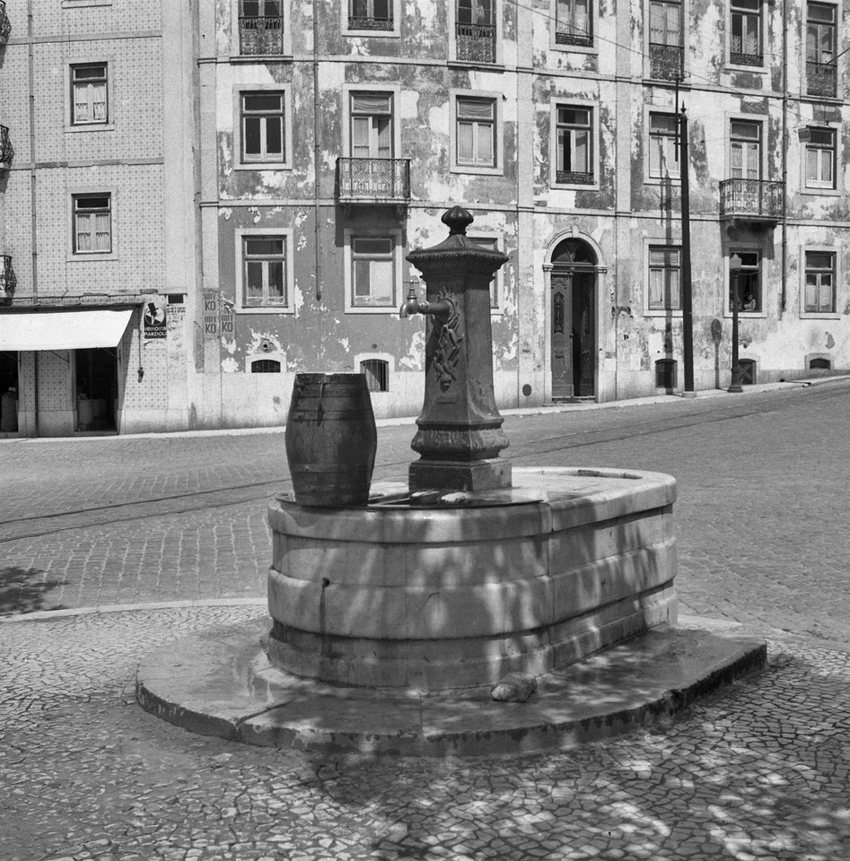 Chafariz da Av. do Duque d' Avila, Arco do Cego (F.M. Pozal, 1953 [?] )