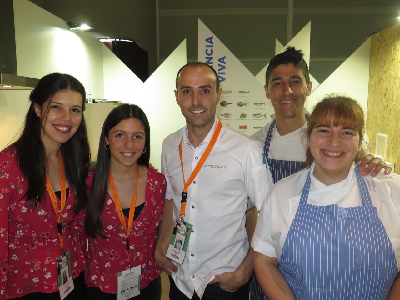 KIKO MARTINS – António Barros ao centro, com Sara Bilro, Cláudia Chaves, David Vieira e Sara Abreu