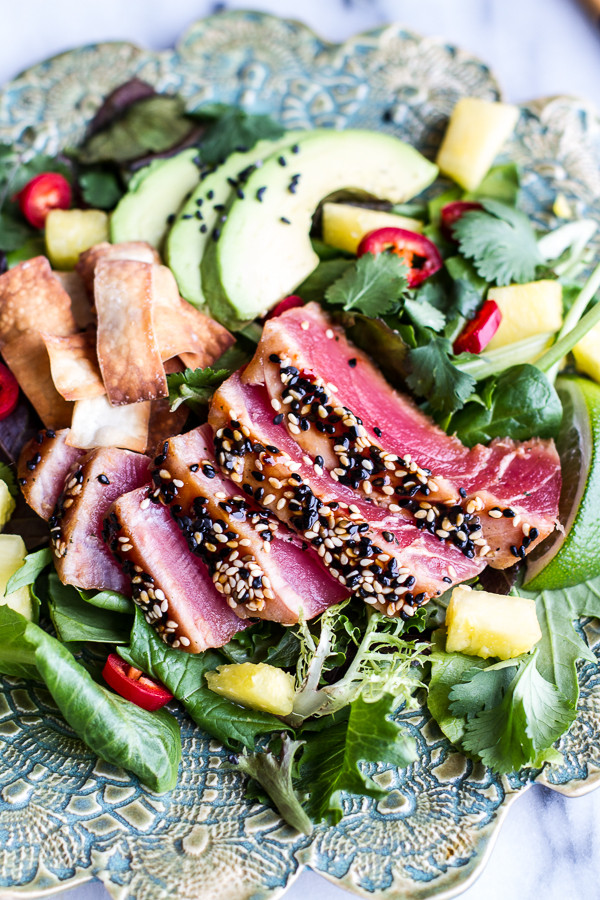 Seared-Ahi-Tuna-Poke-Salad-with-Hula-Ginger-vinaig