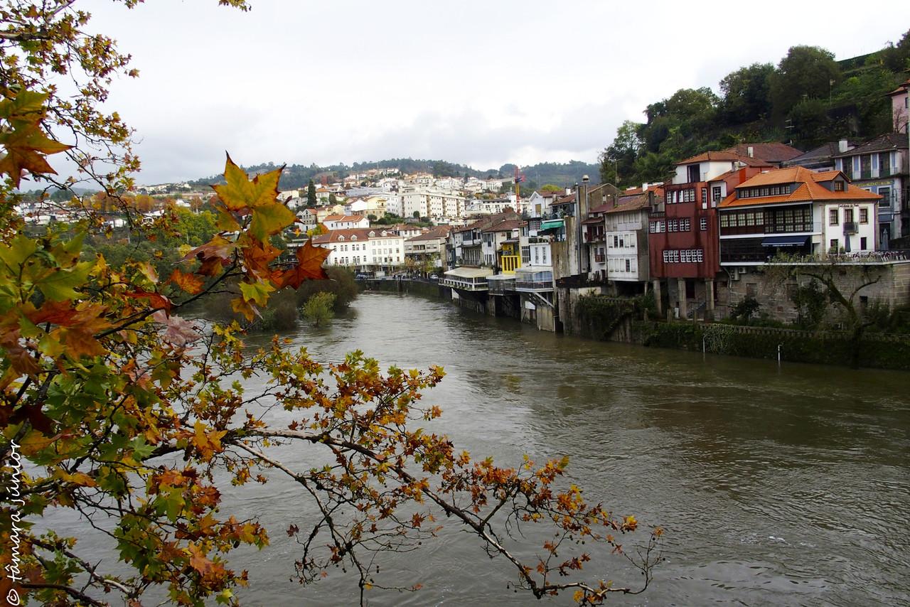 Vista de amarante e do rio Tâmega.jpg