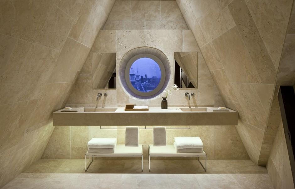 12206_crop_940x604_conservatorium_hotel_room_808_0