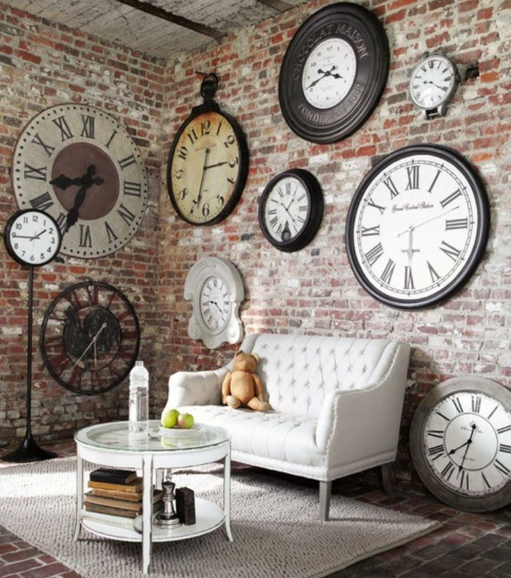 Ideas-Wall-Decor-Design-with-Big-and-Small-Clock.j