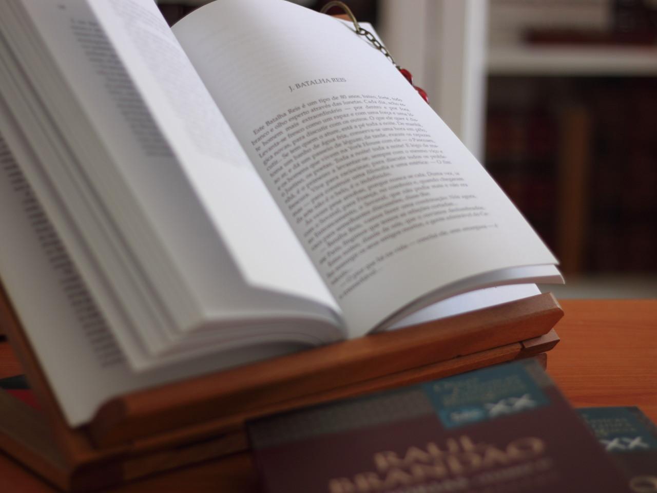 Raul Brandão, «Memórias» (3 vols.), Relógio d'Água, Lisboa, 1998-2000.