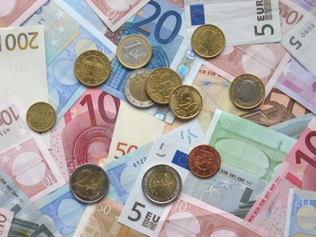 Dinheiro_coins_banknotes