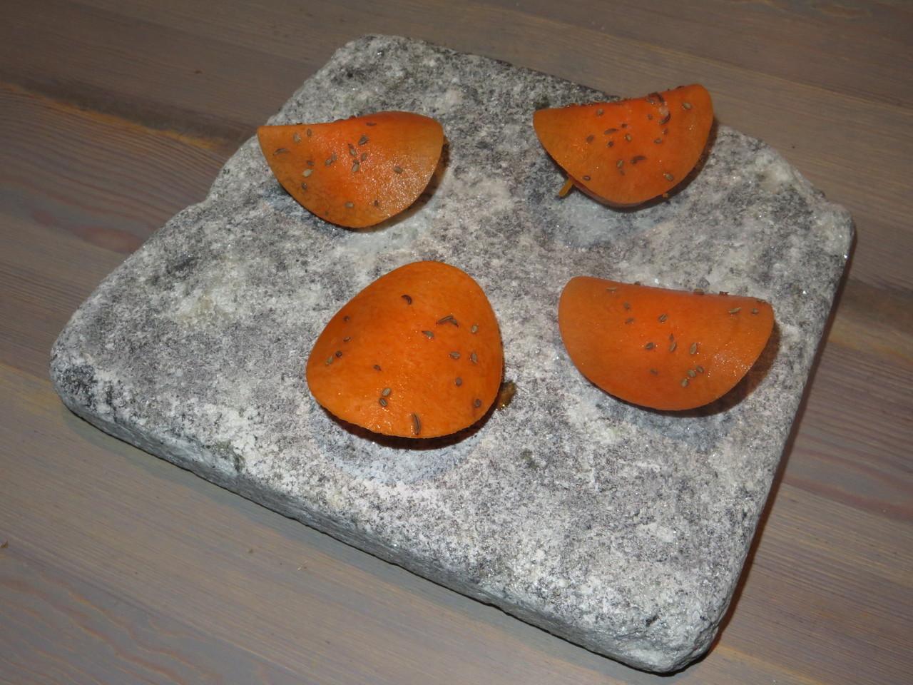 Wholegrain wheat cracker with carrot salad