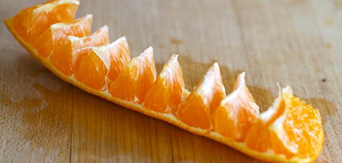 2014-02-11-how-to-peel-an-orange-1-680x324.jpg