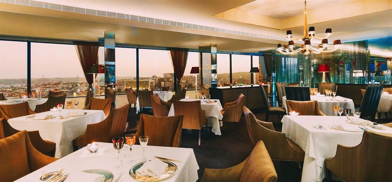 panorama-restaurant-lisbon-s.jpg