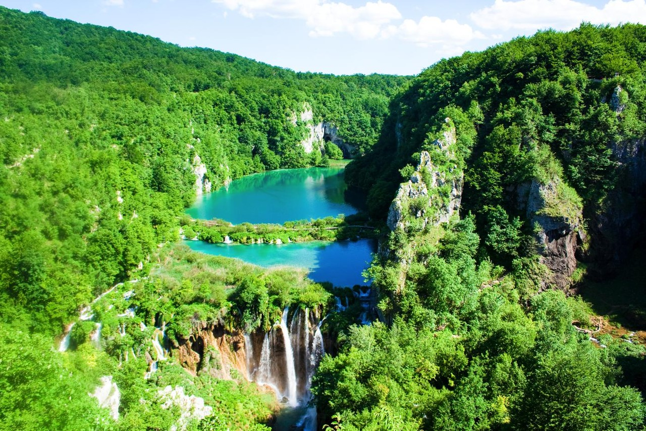 Plitvice-Lakes-National-Park-Croatias.jpg