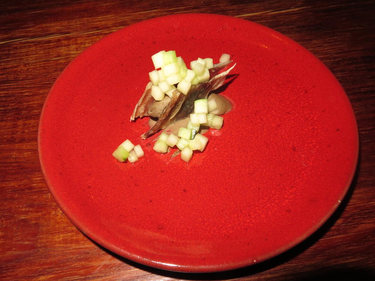 Deves ser carapau (de corrida) seco, fígados, picle de maçã e pepino – Hugo Brito