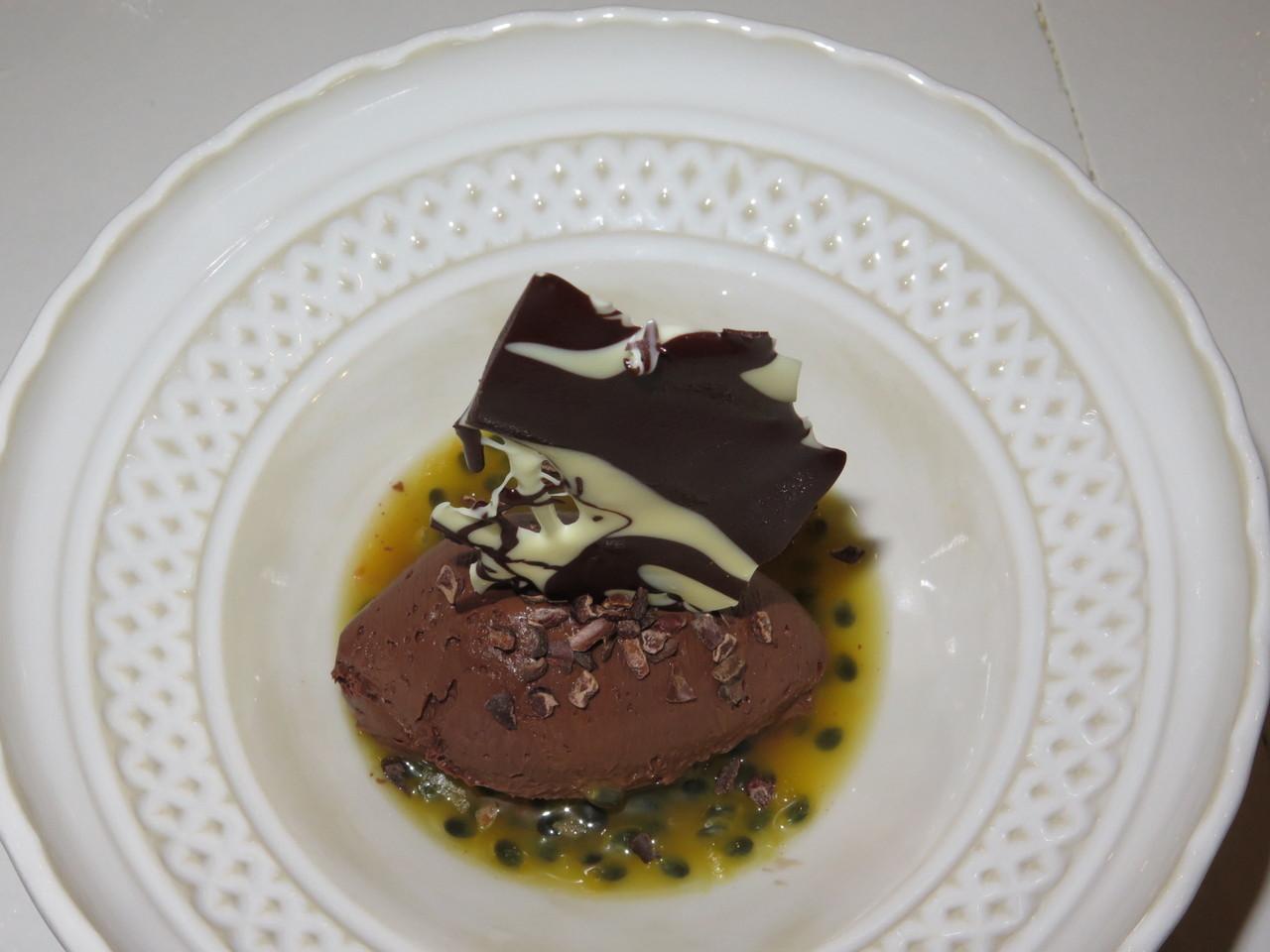 Delicia de chocolate com maracujá