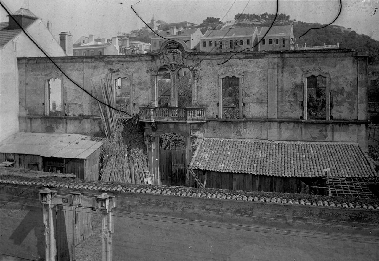 Ruínas do palácio dos Condes de São Miguel, Arroios, c. 1900 (A.F.C.M.L., A1690)