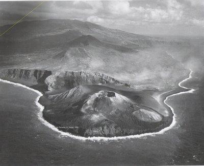 vulcao capelinhos vista 1959.jpg