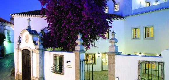 Pousada-Mosteiro-de-Ourém-933x445