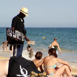 Vendedor de óculos de sol, Algarve (c) 2009