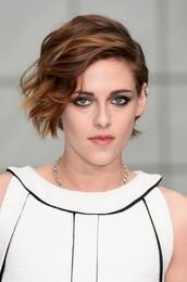 Kristen-Stewart-Cesar-Awards-265x400.jpg